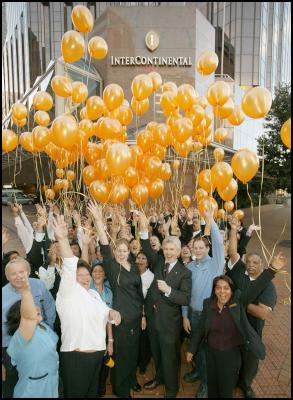 Intercontinental Wellington: Five-Star Balloon Lift: