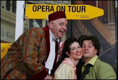 Conal Coad (Don Pasquale), Lorina Gore (Norina), Ashley Catling (Ernesto)