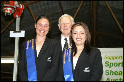 New Zealand woolhandlers Sheree Alabaster (left) and Chelsea Collier, with team manager John Wright of Alexandra, after their success against Australia at Hay (NSW) last weekend. (Shearing magazine photo).