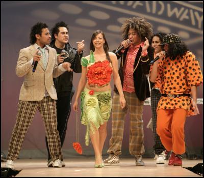 Spacifix singing with dress by Sharleen Greer, UrbanStreet Wear- Westfield Style Pasifika 2006