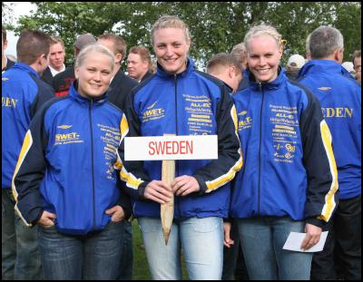 Team Sweet at opening ceremony. L-R, Paulina Andersson, Vanja Kollmann and Jessica Jonsson. Photo credits; Terry Stevenson