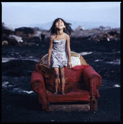 3rd Prize for Hartmut Schwarzbach: Smokey Mountain – Children of a charcoal burners' camp in Manila
