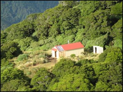 Dorset Ridge Hut from the air (taken by Michael Janes, Department of Conservation)