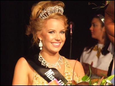 Katie Taylor wins Miss Universe New Zealand 2009