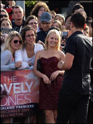 Scoop.co.nz image: The Lovely Bones Wellington Premiere Red Carpet - Kimberly Crossman