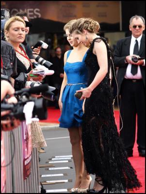 Scoop.co.nz image: The Lovely Bones Wellington Premiere Red Carpet - Rose McIvor & Carolyn Dando