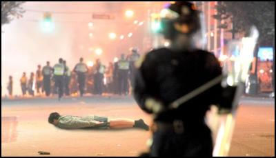photoshop meme: Vancouver Riot Kissing Couple v Max Key planking
