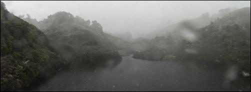 Karori Dam - High resolution photos of Wellington snow, Karori. Pictures by Alexander Garside.