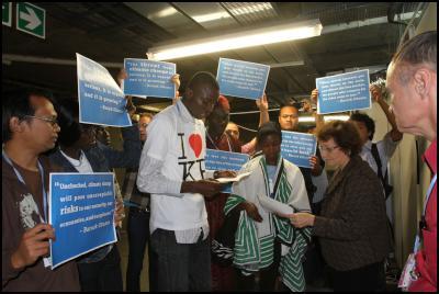 Handover to US delegation at COP17