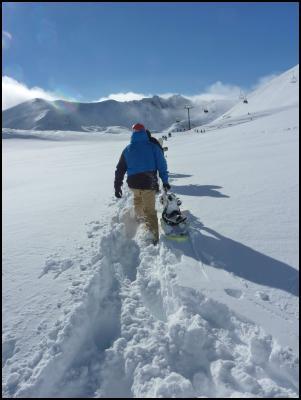 Hiking in knee deep powder at The Remarkables (please credit Wendy van Dijk)