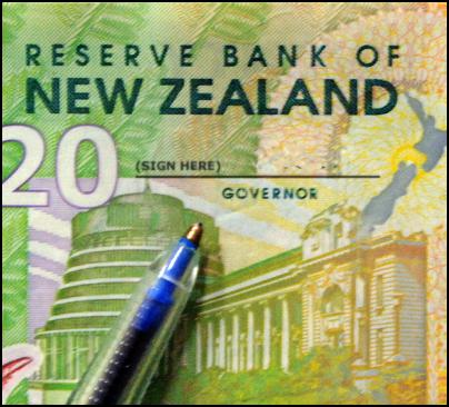 new zealand reserve bank, twenty dollar bill, money, signature, reserve bank governor