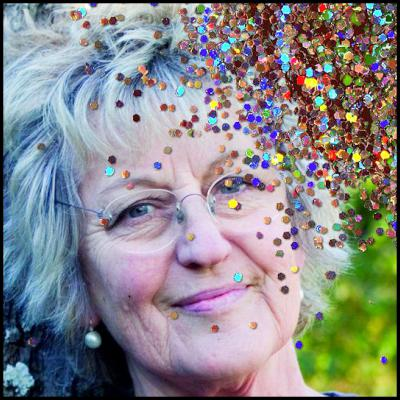 Germaine Greer, glitter, glitter bomb