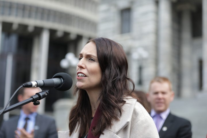 Prime Minister Jacinda Ardern speaks to striking teachers at Parliament's grounds. Photo: RNZ / Rebekah Parsons-King