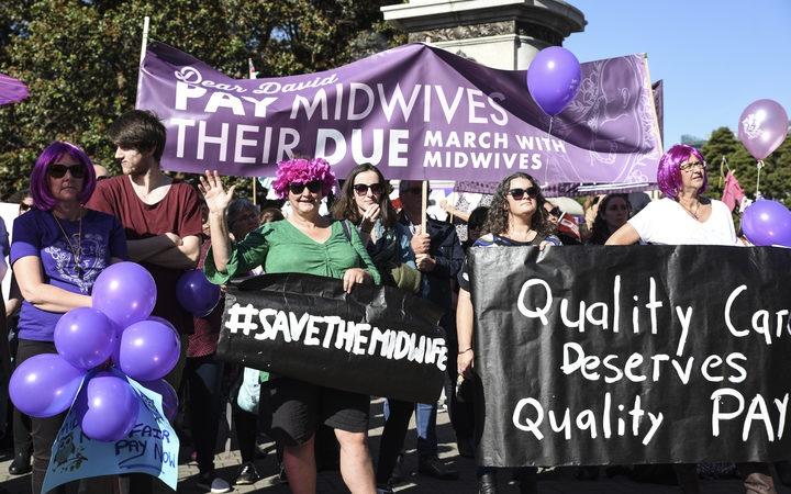 Midwives protesting in May 2018. Photo: RNZ / John Lake
