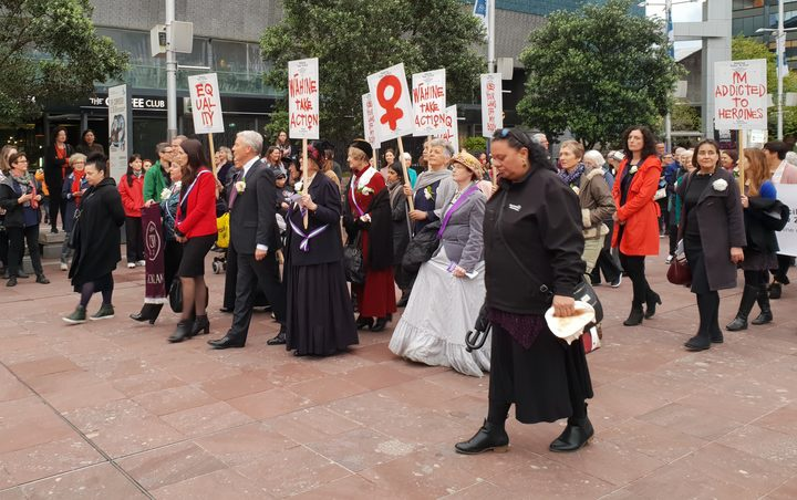 Aucklanders attend the 'sunrise ceremony' to celebrate Suffrage Day in 2018. Photo: RNZ/Anneke Smith