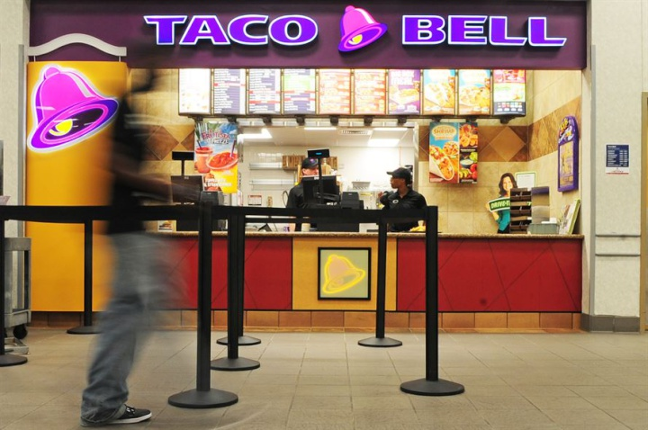 a food court Taco Bell