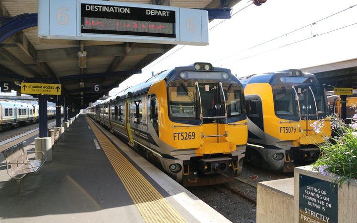 trains at wellington station